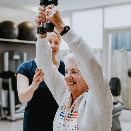 Dijkstra Fysiotherapie Alkmaar - Anja in de oefenzaal